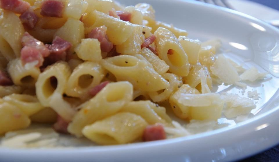 Pasta risottata patate e pancetta