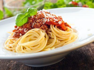 Spaghetti con carne macinata e Basilico