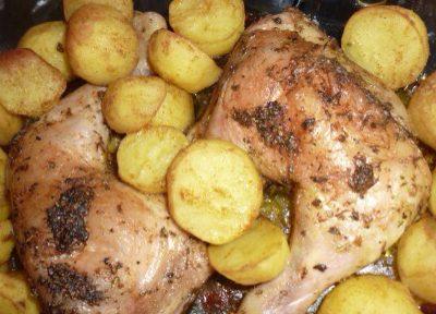 Cosce di pollo con patate