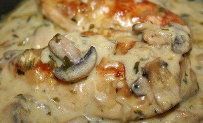 Pollo alla senape con zucchine e funghi