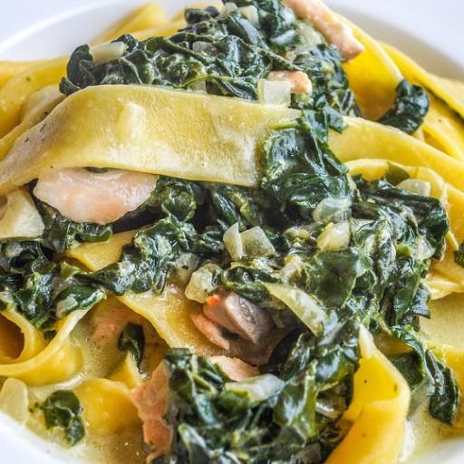 Tagliatelle spinaci e salmone