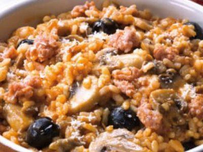 Risotto funghi, salsiccia e olive